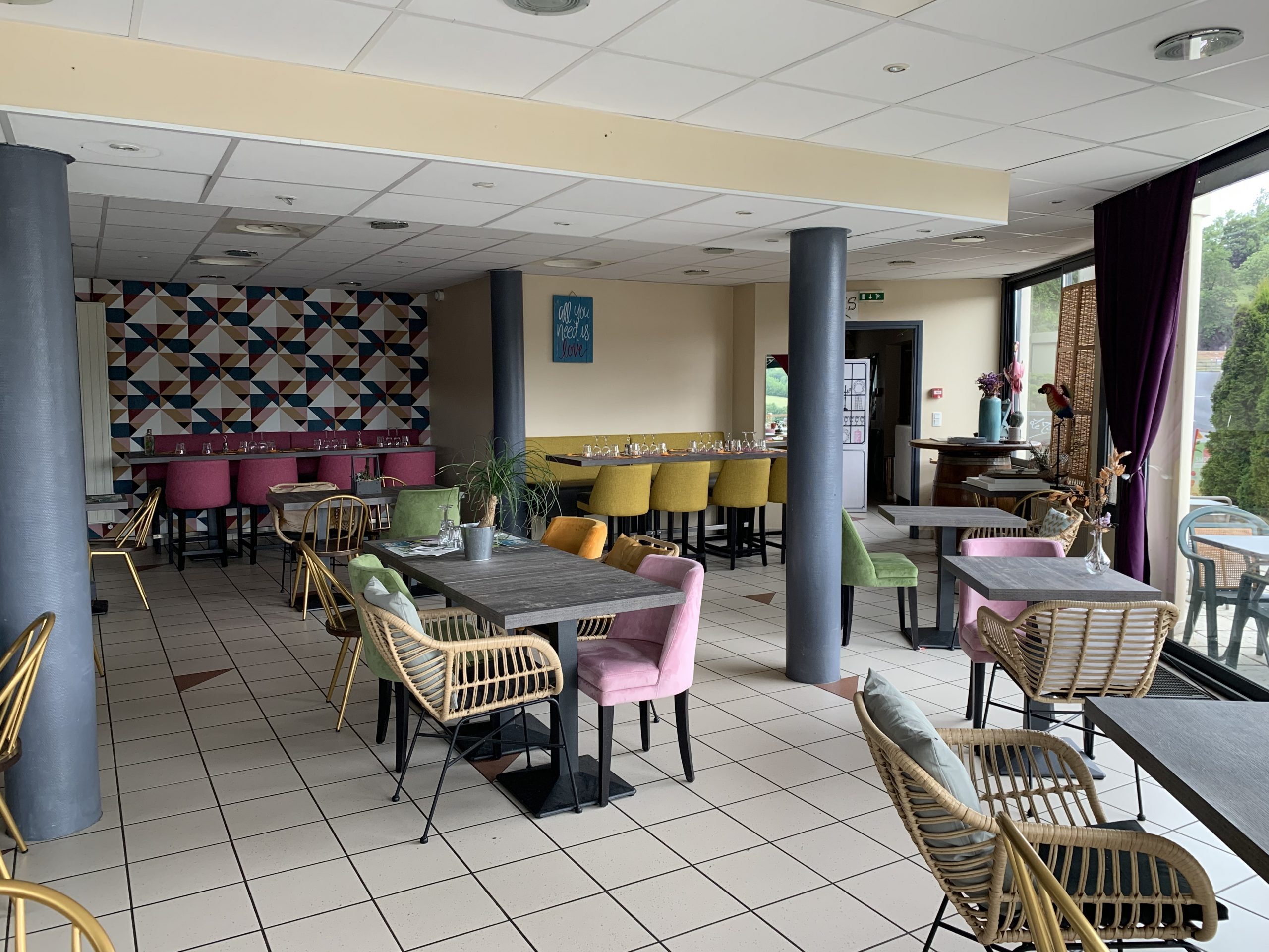 Restaurant room at the Marius Hotel